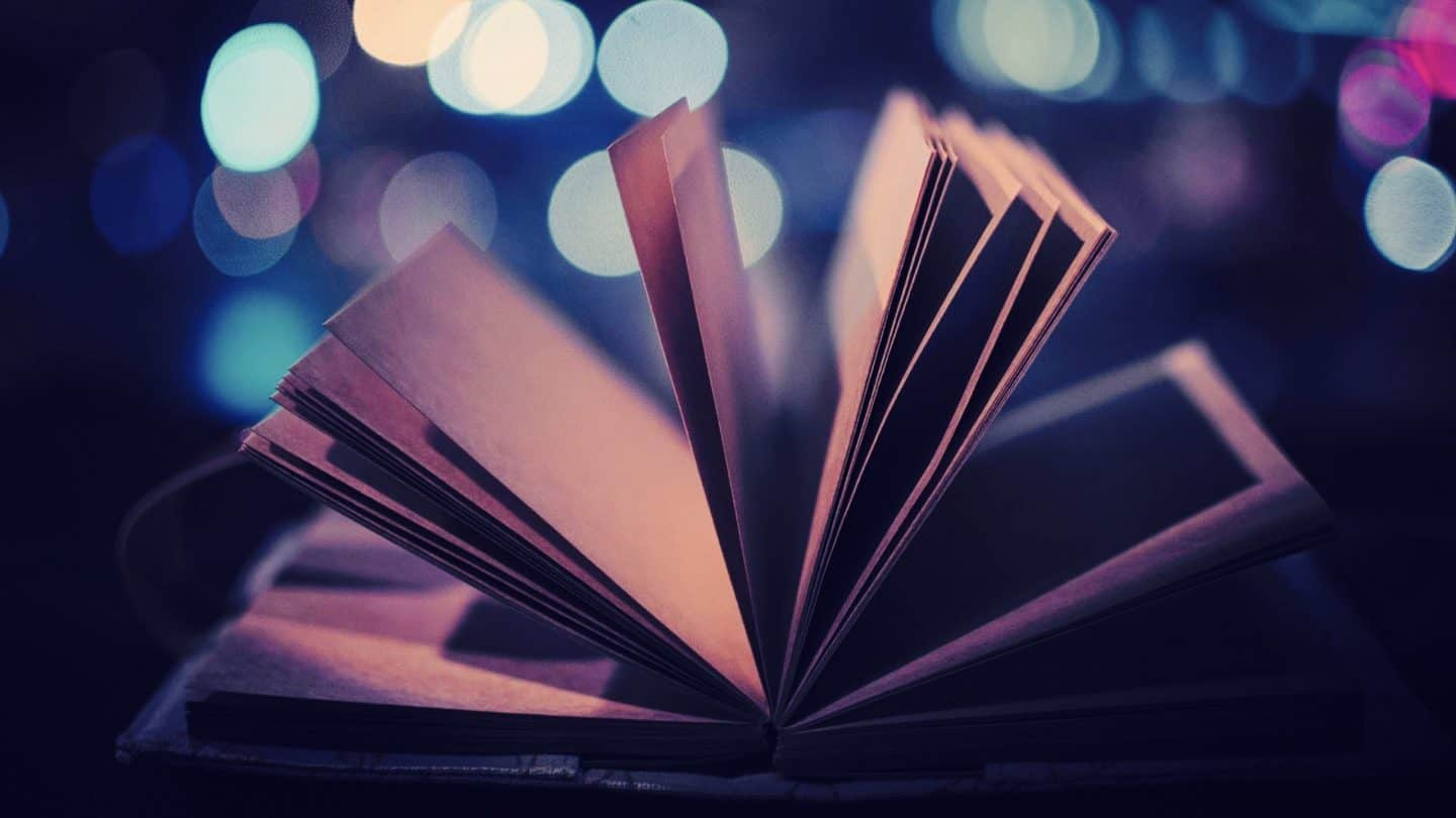 cropped-open-book-close-up-photography-hd-wallpaper-2560x1440-9118.jpg