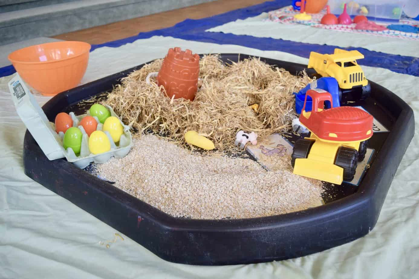 hay and straw playset at Arty splats