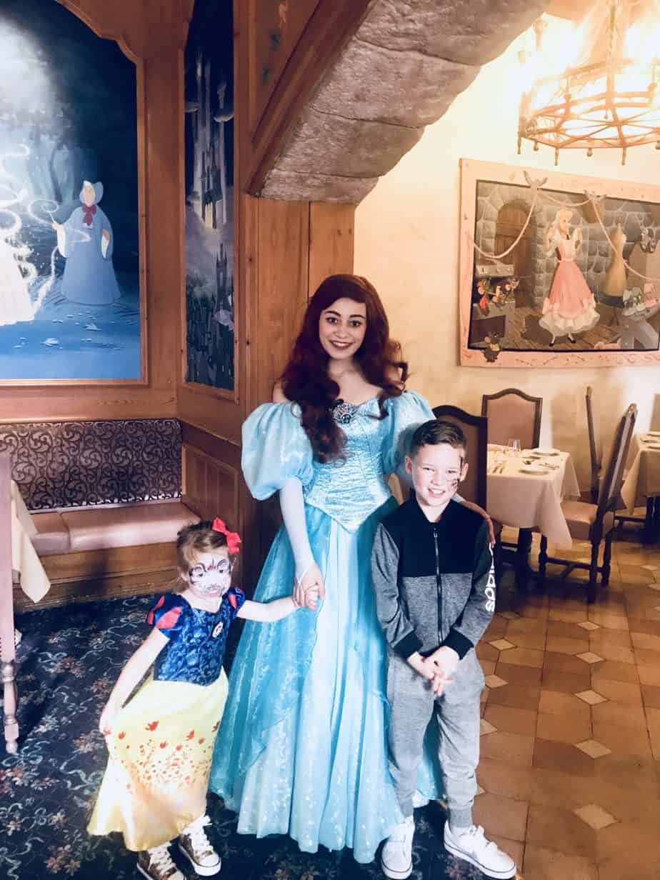 B and W with Ariel at Auberge de Cendrillon