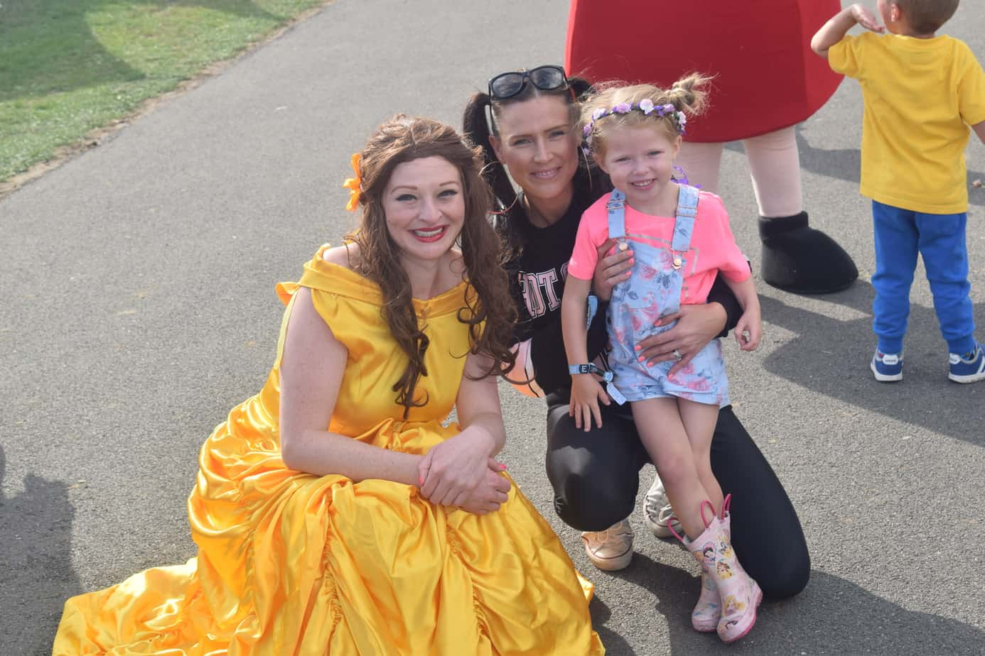 W meeting Belle at Summer Fest
