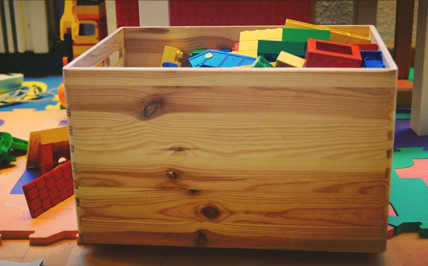 a toy box for your children's bedroom makeover