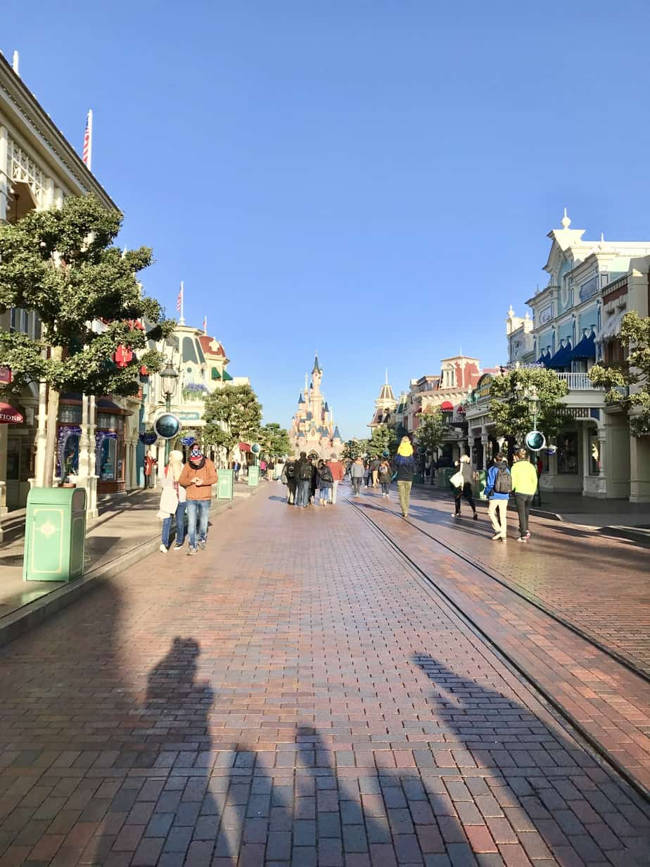 Mainstreet searching for Disneyland paris secrets