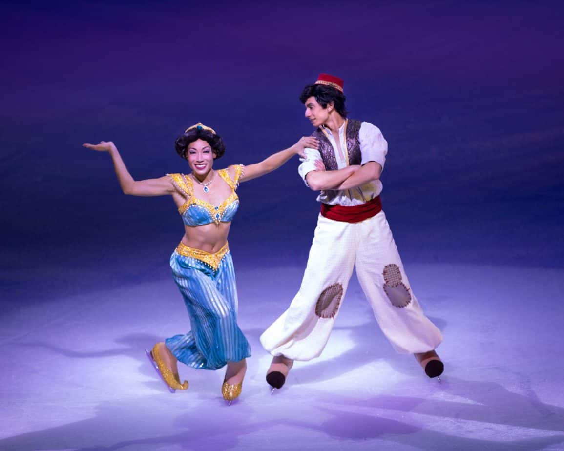 Aladdin and Princess Jasmine in the ice dancing