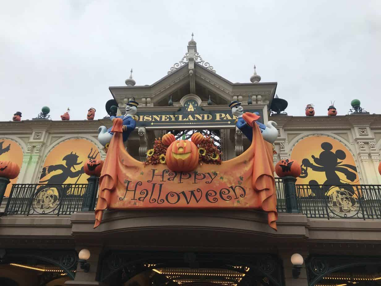 halloween sign at the entrance to Disneyland Park Trip report 2018
