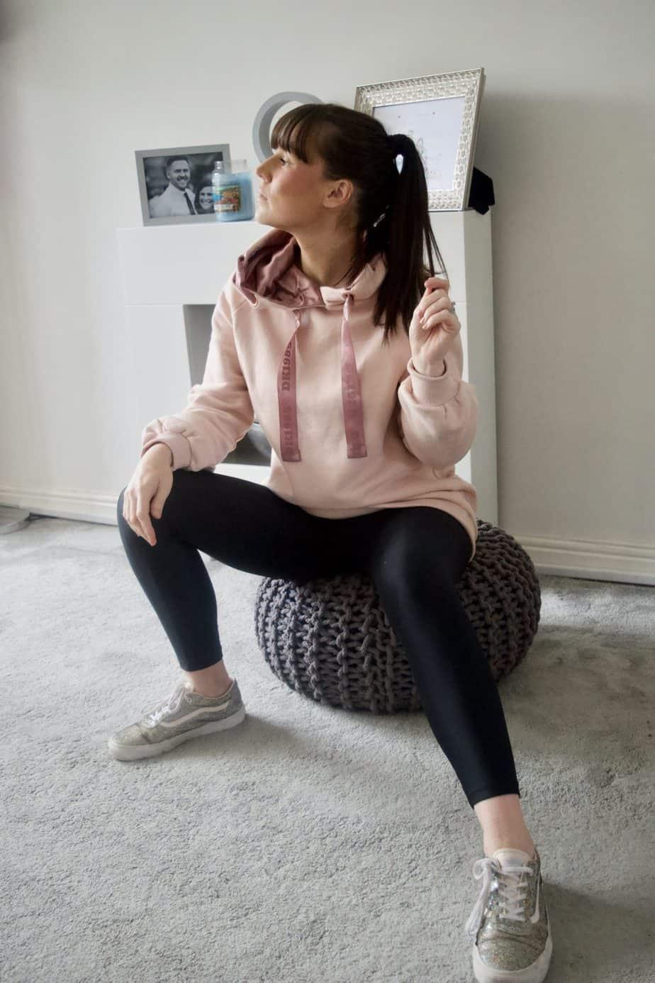 Me wearing the HKMX Hooded sweater Doutzen from Hunkemoller