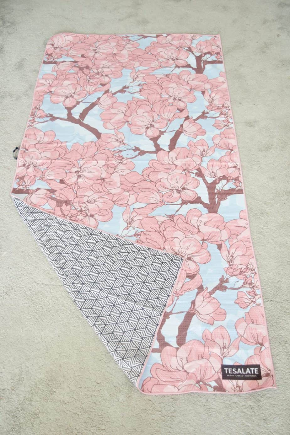 Tesalate Towel - Sand Free Towel in pin and blue flower print