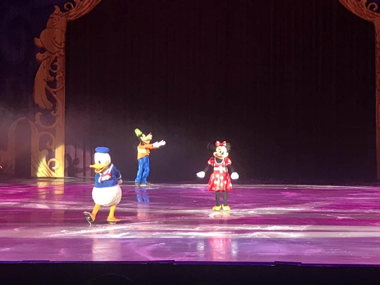 Greetings from Donald, Minnie Mouse and Goofy at The Wonderful World of Disney on Ice show