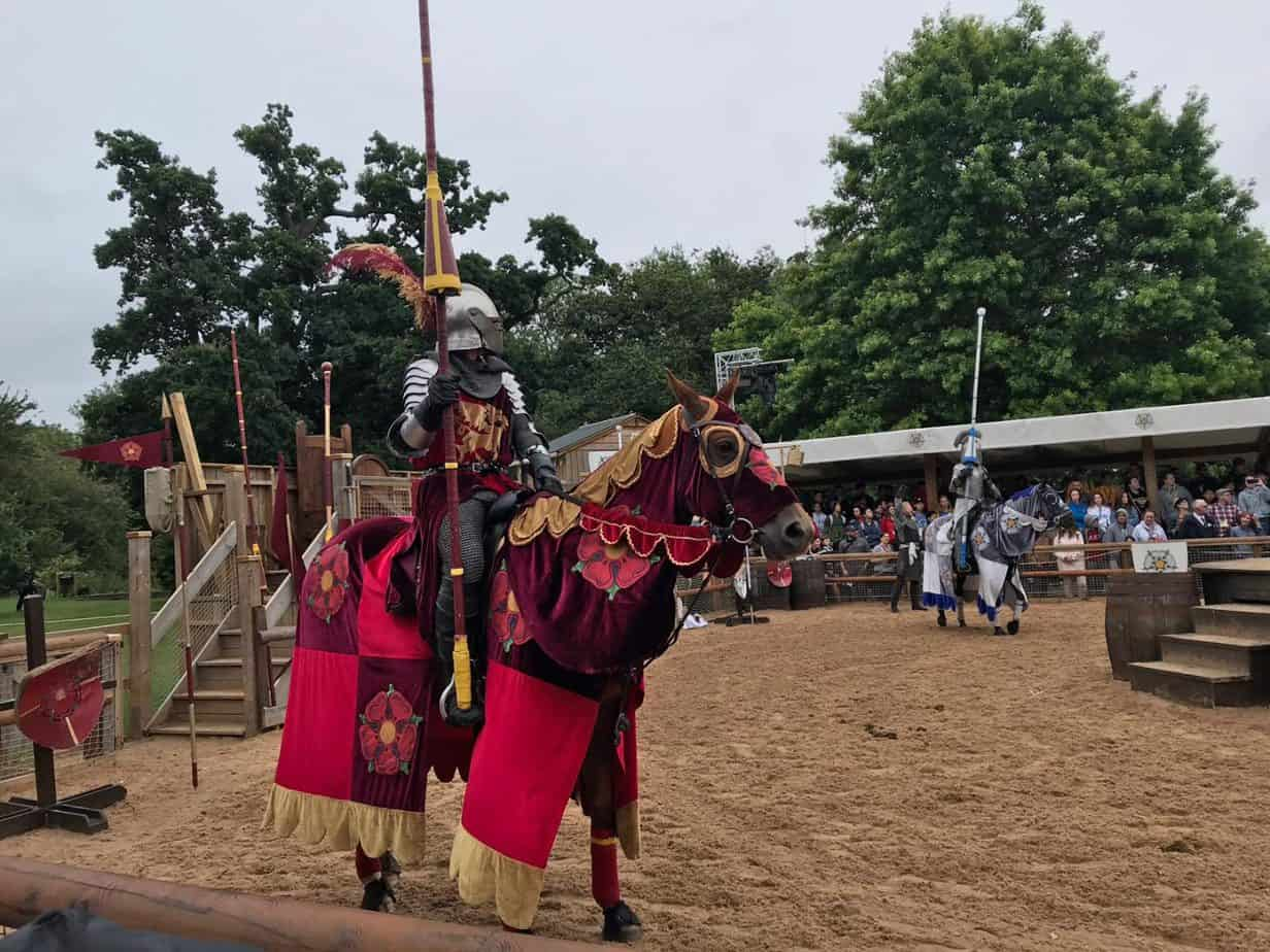 War of The Roses - a daily show at Warwick castle