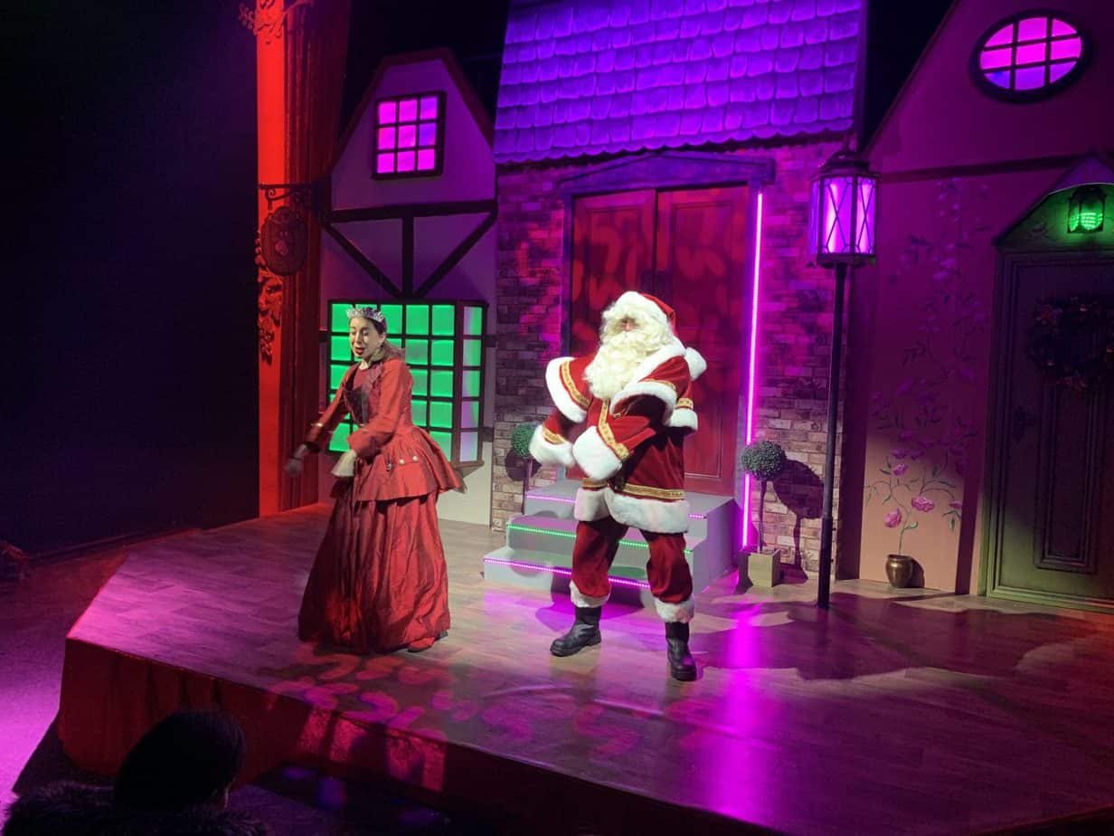 Santas Show at Santas Winter Wonderland Experience at Snowdome Tamworth