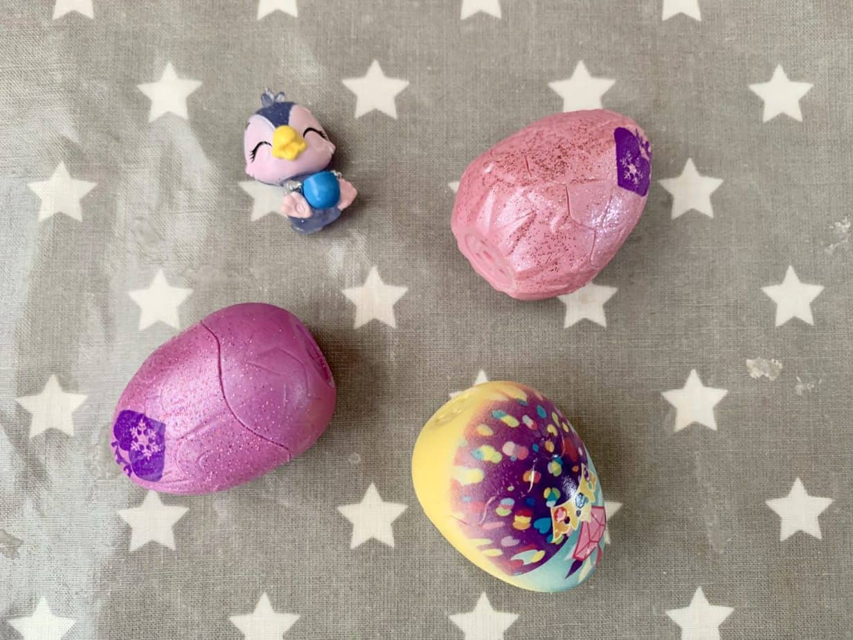 Series 6 Snowball Royal Hatchimal four pack