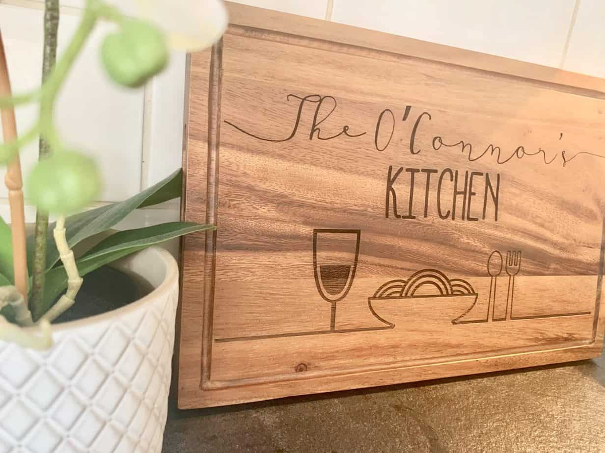 personalised chopping board/serving board for the kitchen