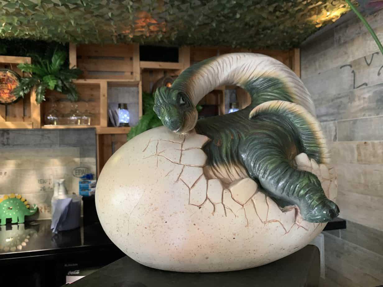 dinosaur themed restaurant Jurassic Grill