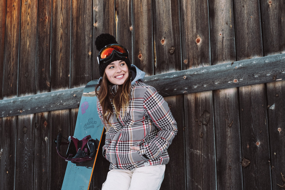Baja Plaid design ski jacket for women protest