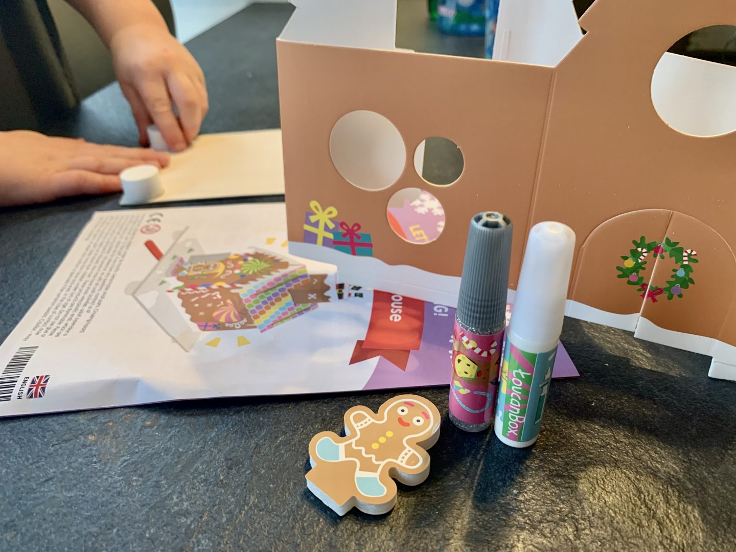Build your own gingerbread house arts and crafts toucanBox review