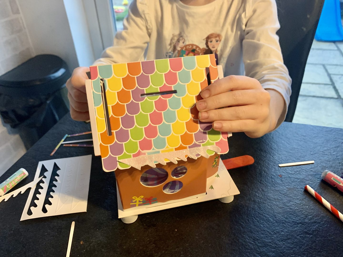 Building their gingerbread arts and crafts activity toucanBox