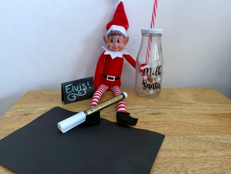 Elf on a shelf idea making table name cards