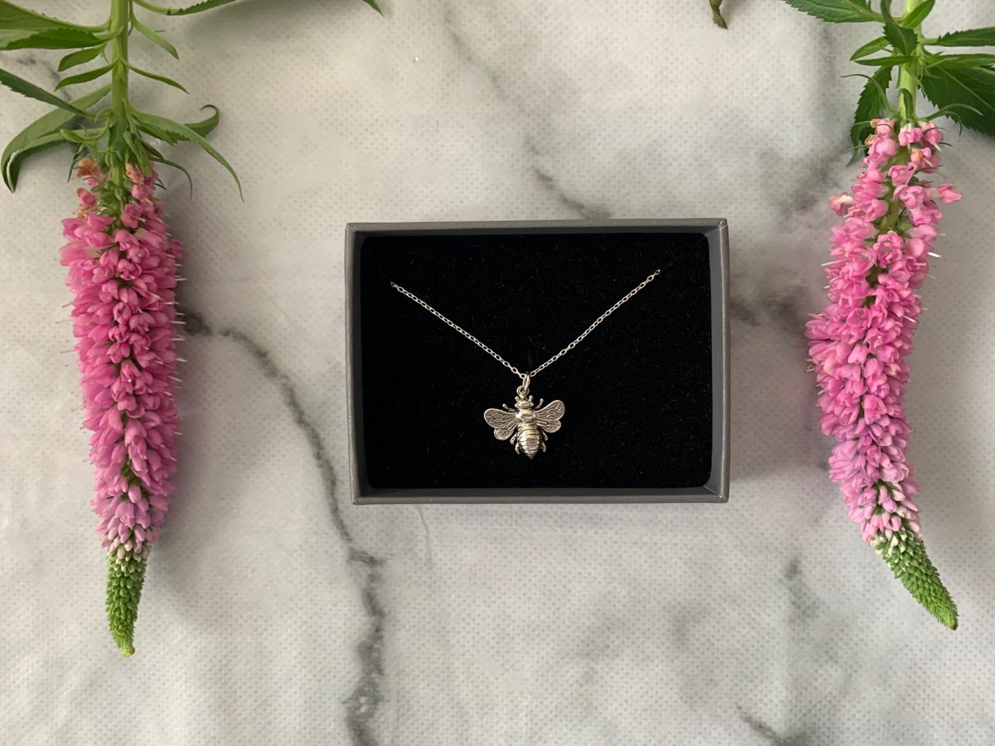 bumblebee necklace review