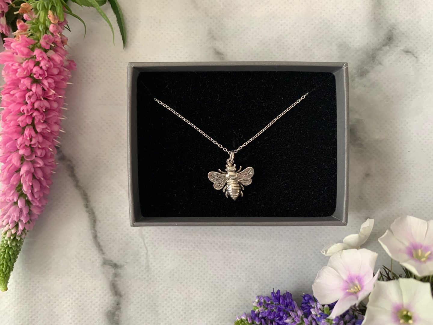 jewel editions silver bumblebee necklace review